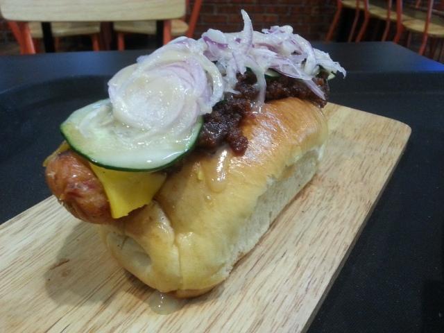 burgerlab-hotdog-lunch